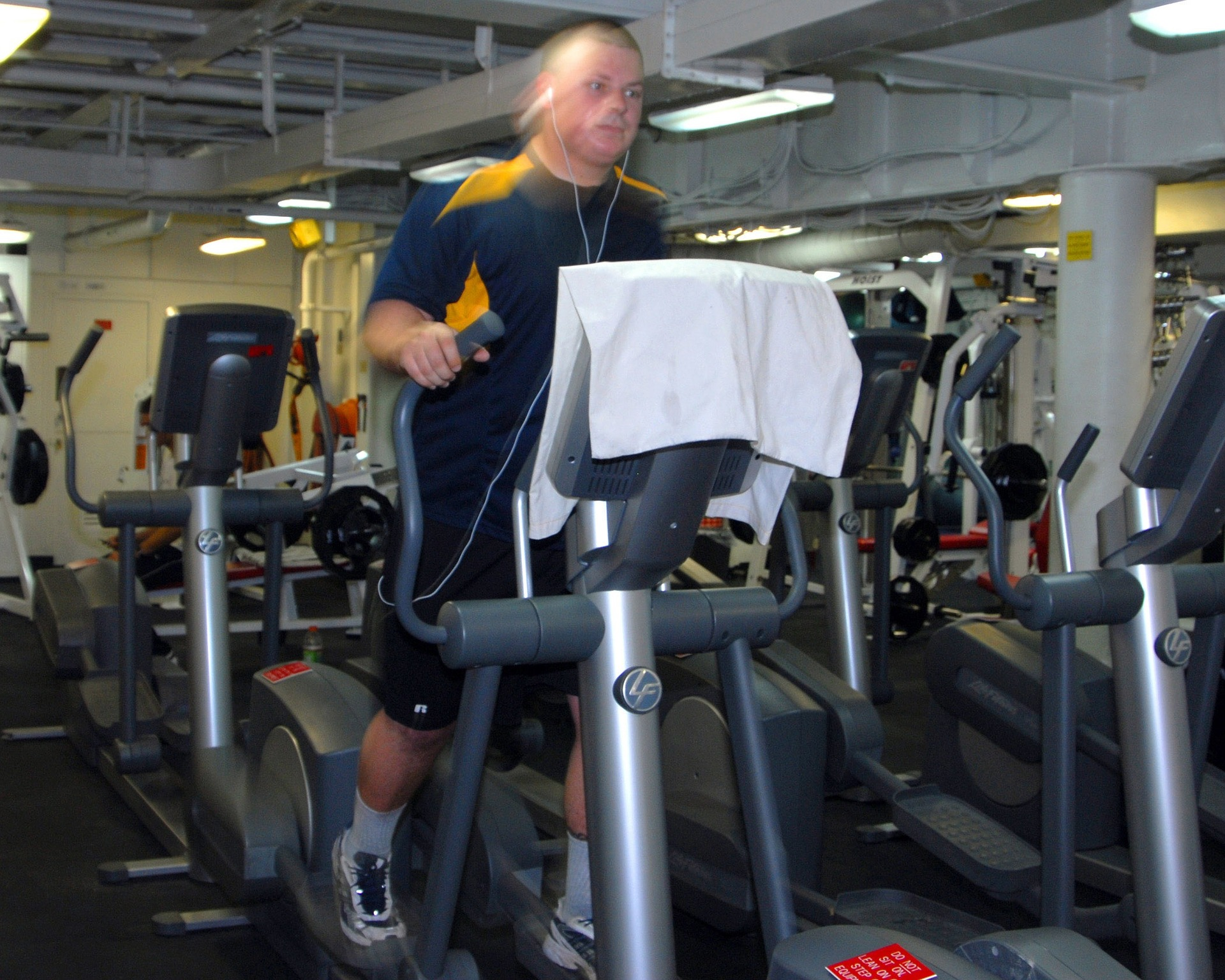 COVID-19: Atividade Física e Desporto – Espaços de Prática de Exercício Físico e Desporto e Competições Desportivas de Modalidades Individuais sem Contacto